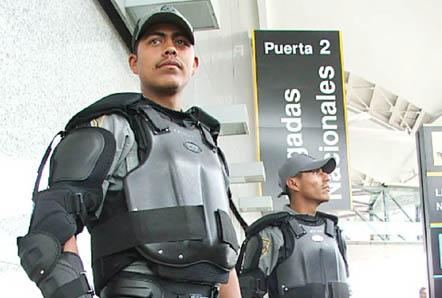 20061201143409-policia-oaxaca